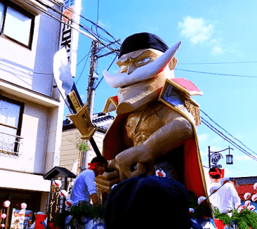 One Piece Figures' Floats Make Appearance at Japanese Parade
